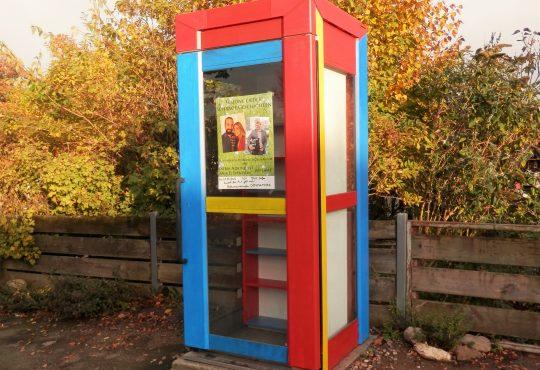 Die Bücherzelle in Herbstfarben